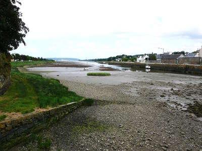 Le faou petite cite de caractere la riviere du faou a maree basse routes touristiques dans le finistere guide du tourisme en bretagne