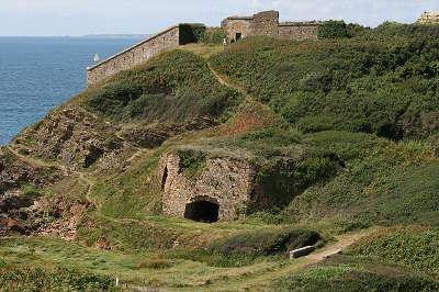 Le fort de la fraternite route des fortifications de la presqu ile de crozon routes touristiques dans le finistere guide du tourisme en
