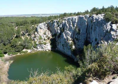 Le gouffre de l il doux parc naturel regional de la narbonnaise en mediterranee routes touristiques de aude le guide du tourisme d