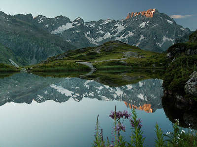 Le lac du lauzon parc national des ecrins guide touristique