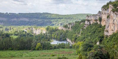 Le parc naturel regional des causses du quercy guide touristique du lot midi pyrenees