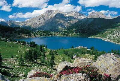 Le parc naturel regional des prealpes d azur entre les vallees de la siagne du loup de la cagne route touristique des alpes maritimes guide du tourisme des alpes maritimes paca