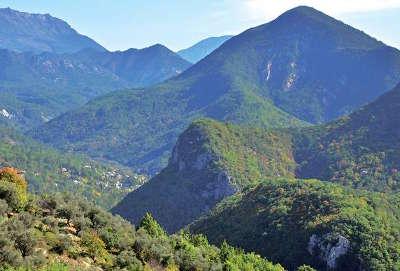 Le parc naturel regional des prealpes d azur guide du tourisme des alpes maritimes paca