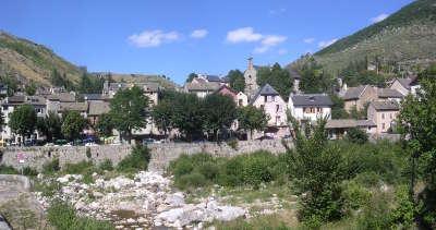 Le pont de monvert routes touristique de la lozere guide du tourisme du languedoc roussillon