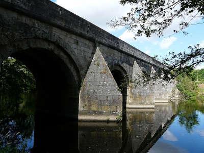 Le pont de vernay routes touristique des deux sevres guide du tourisme de poitou charentes
