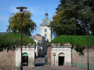 Le quesnoy portes fortifies routes touristiques du nord guide touristique nord pas de calais