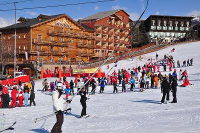 Le sauze sur barcelonnette station routes touristique des alpes de haute provence guide du tourisme provence alpes cote d azur