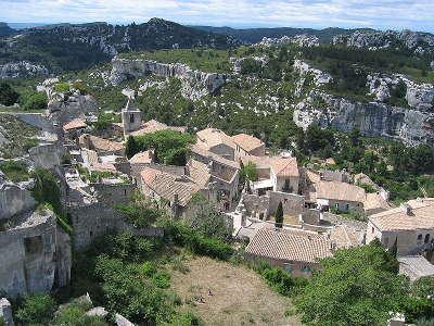 Les baux de provence plus beau village routes touristiques des bouches du rhone guide du tourisme de paca