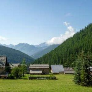 Les esquirousses a arvieux village de vacances routes touristiques des hautes alpes touristique guide du tourisme de la provence alpes cote d azur