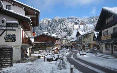 Les gets rue routes touristiques de haute savoie guide du tourisme de rhone alpes
