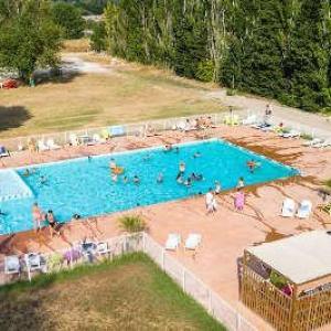 Les rives du luberon piscine routes touristiques du vaucluse guide du tourisme de provence alpes cote d azur