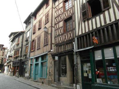 Limoges ville d art et d histoire la rue des bouchers routes touristiques de la haute vienne guide du tourisme du limousin