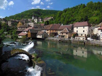 Lods depuis le chemin des forges plus beaux villages routes touristiques du doubs guide touristique franche comte