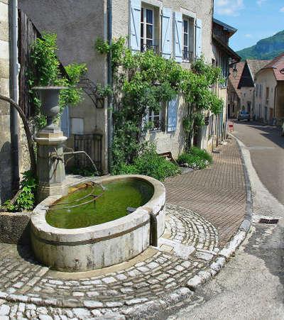 Lods la mairie plus beaux villages routes touristiques du doubs guide touristique franche comte