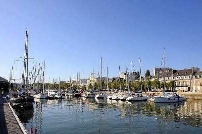 Lorient ville d art et d histoire le port routes touristiques dans le morbihan guide du tourisme en bretagne