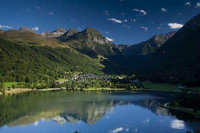 Loudenvielle lac de genos routes touristiques des hautes pyrenees guide du tourisme de midi pyrenees