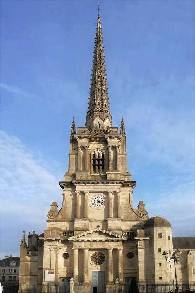Lucon cathedrale notre dame de l assomption routes touristiques de vendee du tourisme du pays de la loire