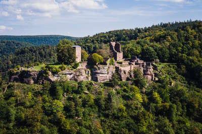 Lutzelbourg le chateau routes touristiques de la moselle guide du tourisme de la lorraine