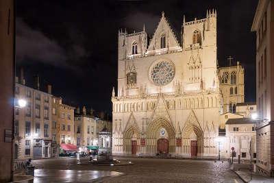 Lyon la cathedrale saint jean routes touristiques du rhone guide du tourisme rhone alpes