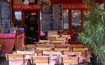 Lyon les bouchons lyonnais routes touristiques du rhone guide du tourisme rhone alpes