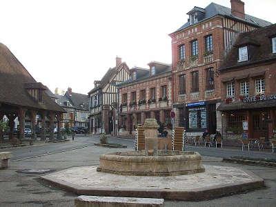 Lyons la foret plus beaux villages la place routes touristique de eure guide du tourisme normandie