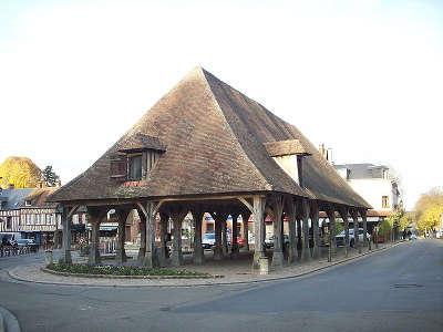 Lyons la foret plus beaux villages les halles routes touristique de eure guide du tourisme normandie