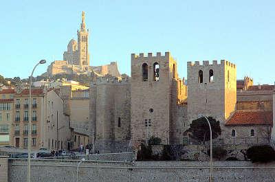 Marseille ville d art et d histoire abbaye saint victor routes touristiques des bouches du rhone guide du tourisme de paca