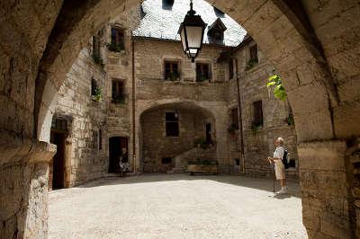 Martel la ville aux septs clochers les routes touristiques du lot guide du tourisme midi pyrenee