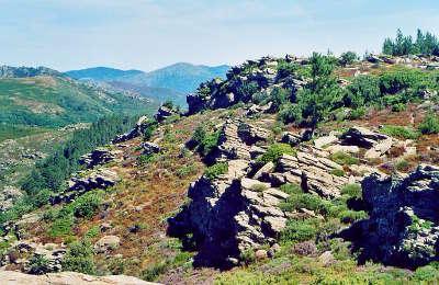 Massif du caroux parc national regional du haut languedoc guide de tourisme de l herault
