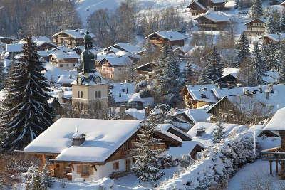 Megeve sous la neige routes touristiques de haute savoie guide du tourisme de rhone alpes