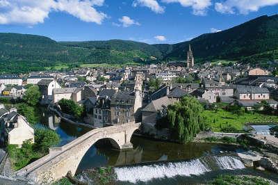 Mende ville d art et d histoire routes touristique de la lozere guide du tourisme du languedoc roussillon