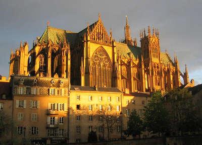 Metz ville d art et d histoire cathedrale saint etienne routes touristiques de la moselle guide du tourisme de lorraine