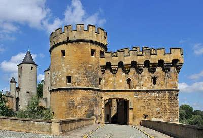 Metz ville d art et d histoire la porte des allemands routes touristiques de la moselle guide du tourisme de lorraine