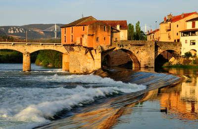 Millau villes d art et d histoire routes touristiques de aveyron guide du tourisme midi pyrenees