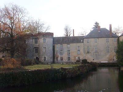 Milly la foret le chateau routes touristiques de essonnes guide touristique de ile de france