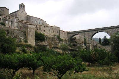 Minerve le pont plus beaux villages routes touristiques de herault guide touristique du languedoc roussillon