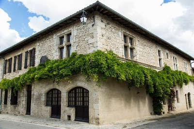Monfort maison du poete guillaume du bartas routes touristiques de gers guide du tourisme midi pyrenees