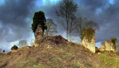 Montfort sur risle chateau medieval routes touristiques de eure guide touristique de haute normandie