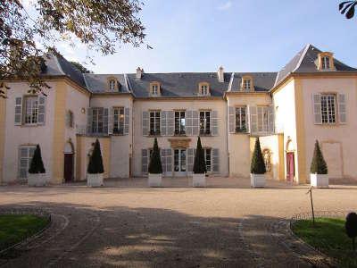 Montigny les metz chateau de courcelles routes touristiques de la moselle guide du tourisme de la lorraine