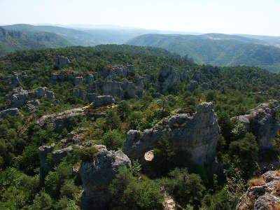 Montpellier le vieux routes touristiques de aveyron guide du tourisme midi pyrenees