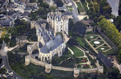 Montreuil bellay petite cite de caractere chateau de montreuil bellay routes touristiques de maine et loire guide du tourisme du pays de la loire
