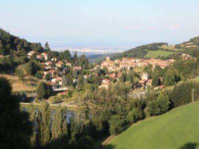 Monts et coteaux du lyonnais les routes touristiques du rhone guide du tourisme rhone alpes
