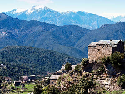 Morosaglia maison de l alpa et la chapelle routes touristiques en haute corse guide du tourisme de la corse