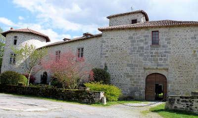 Mortemart le chateau plus beaux villages routes touristique de la haute vienne guide touristique du limousin