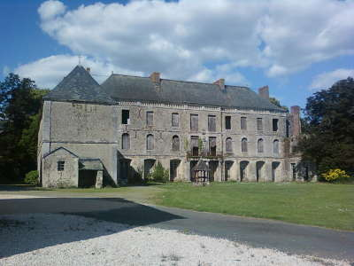 Mouchamps petite cite de caractere chateau du parc soubise routes touristiques de vendee guide du tourisme du pays de la loire