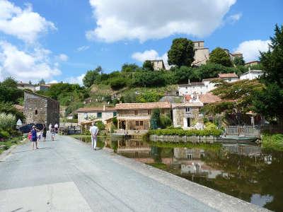 Mouchamps petite cite de caractere vue sur le village routes touristiques de vendee guide du tourisme du pays de la loire