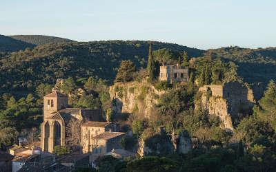 Moureze routes touristique de l herault guide du tourisme du languedoc roussillon