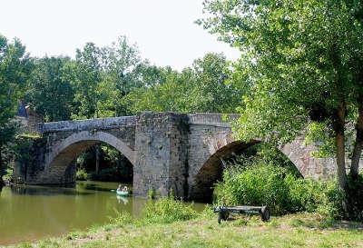 Najac plus beaux villages de france pont saint blaise routes touristiques de aveyron guide du tourisme midi pyrenees