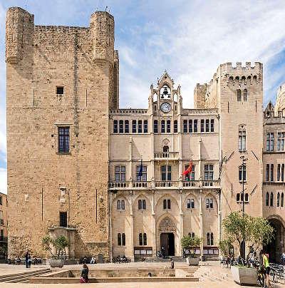 Narbonne hotel de ville ville dart et d histoire routes touristiques de aude guide du tourisme d occitanie