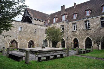 Nogent le rotrou abbaye saint denis nogent le cloitre routes touristiques dans l eure et loire guide du tourisme centre val de loire